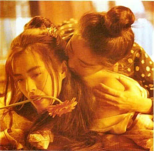 """林青霞激吻王祖贤 揭徐克电影经典""""女欢女爱"""""""